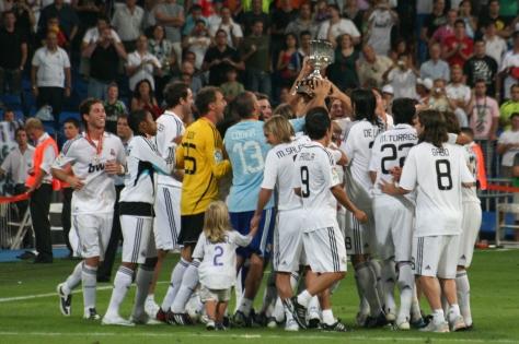 celebrando_el_primer_titulo_de_la_temporada